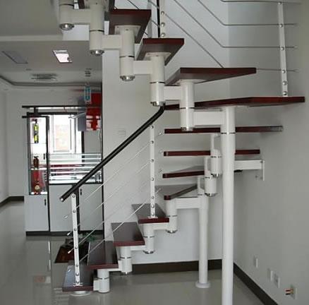 安装复式钢木楼梯要点