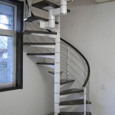 钢木楼梯从上向下安装方法